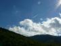 Pe cerul albastru